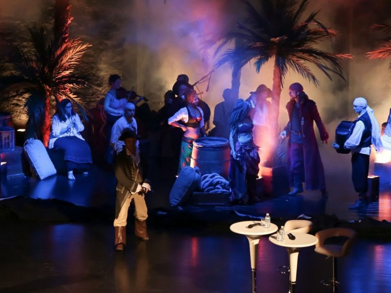 soirée cabaret pirate saint malo, soirée entreprise, soirée a théme, animation thématique NOVA