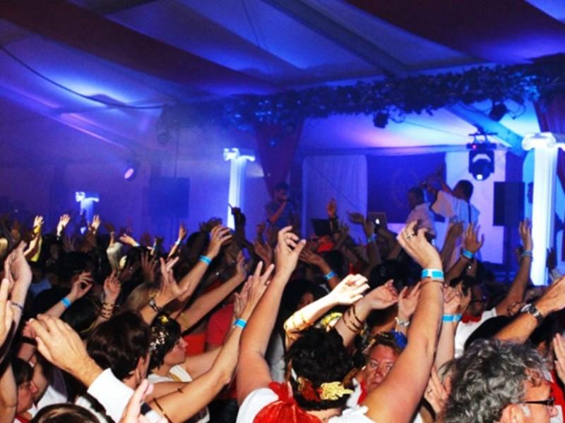 soirée de gala nova soirée entreprise, soirée à thème, animation à thème saint malo, nantes, paris, brest, nancy, vannes, le hav