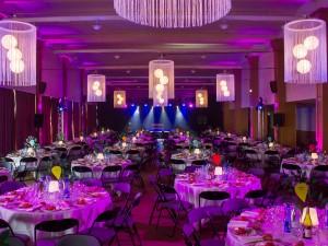 Soirée de gala, cabaret pour une entreprise au Palais du Grand Large de St Malo.