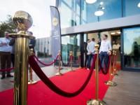 Potelets et tapis rouge pour inauguration ou événement d'entreprise