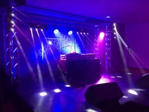 Nova réalisation d'éclairage pour les événements, soirée d'entreprise.