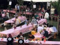 Soirée décor années 50 place du village guinguette