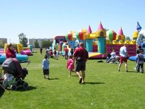 Parc de loisirs avec structures gonflables pour intérieur ou extérieur